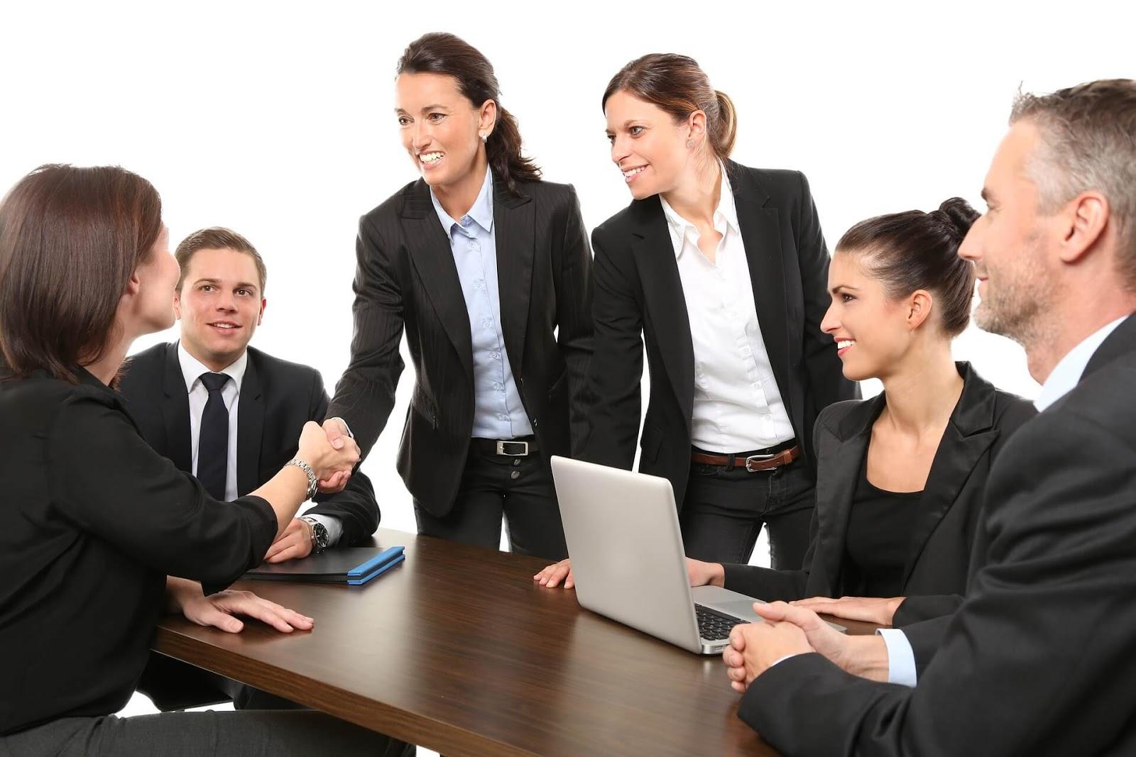Cara Meningkatkan Produktivitas Kerja Perusahaan Dengan Tampilan Lantai Profesional