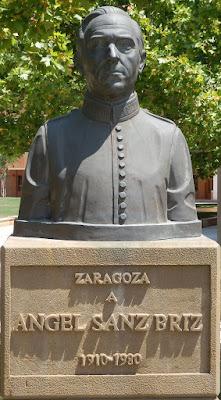 monumento-ángel-sanz-briz-zaragoza