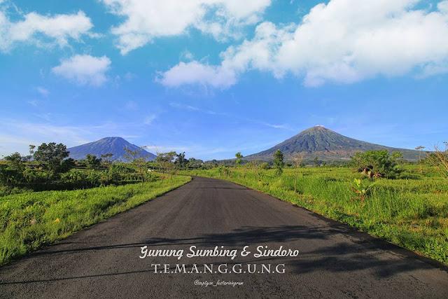 Gunung Sindoro dan  Gunung Sumbing