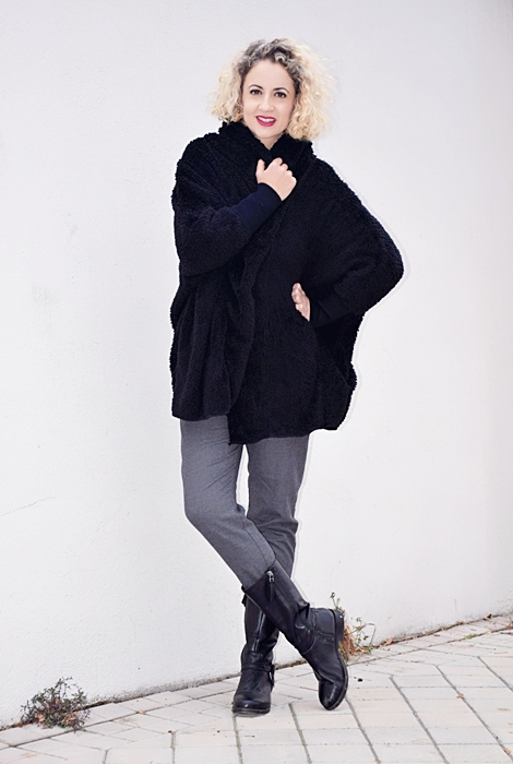 Outfit-abrigo-negro-capucha-3
