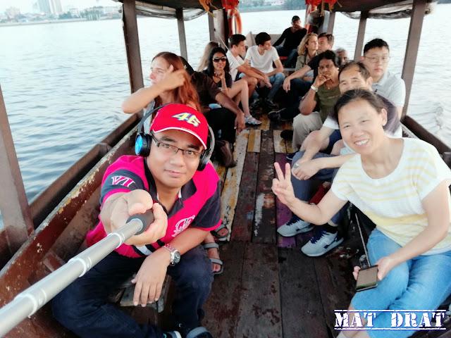 Kuching Sunset Cruise - Sarawak River Cruise Boat Traditional