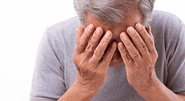 ما علاج الصداع العنقودي