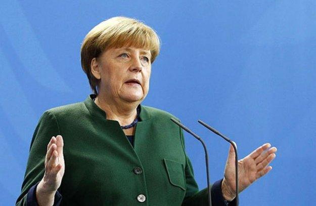 Μέρκελ: Να αγωνιστούμε υπέρ της ανοικτής κοινωνίας, της ανοχής και του αλληλοσεβασμού