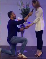 Jhoel López le propone matrimonio a Liza Blanco