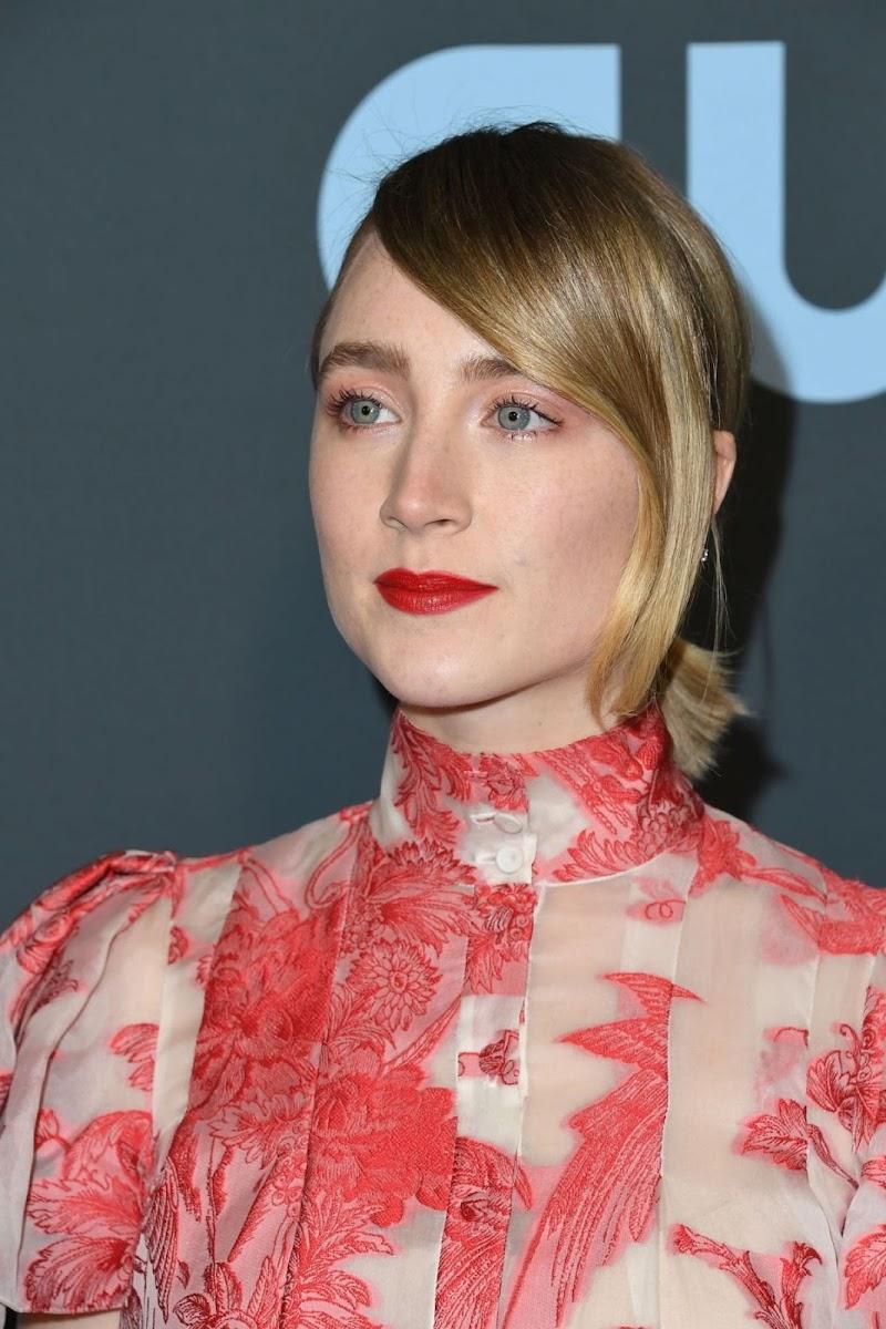 Saoirse Ronan Clicks at 25th Annual Critics Choice Awards in Santa Monica 12 Jan-2020