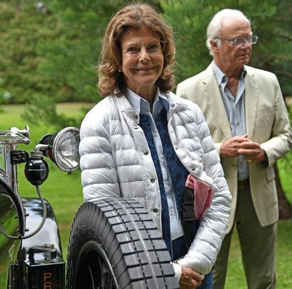 Queen Silvia wore Canada Goose jacket and Superga shoes at Solliden car show. Princess Sofia and Princess Madeleine