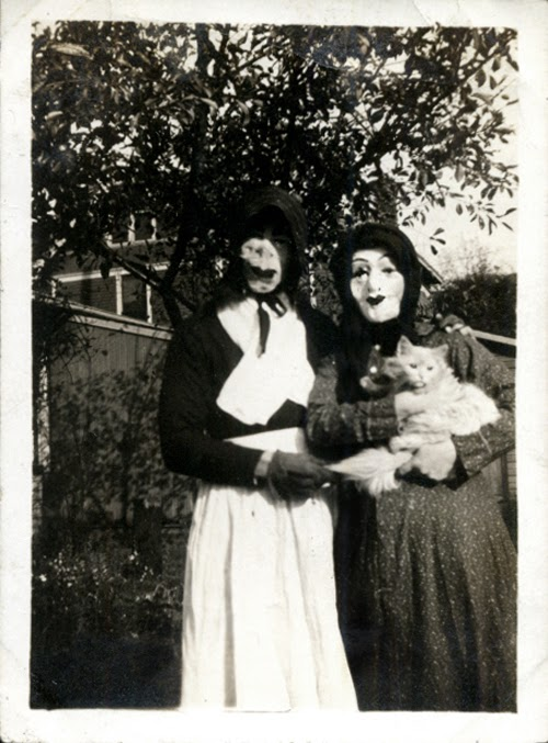 vintage photos of funny halloween costumes from between