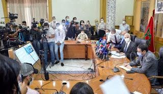وزير الصحة يخرق التدابير الاحترازية للوقاية من فيروس كورونا