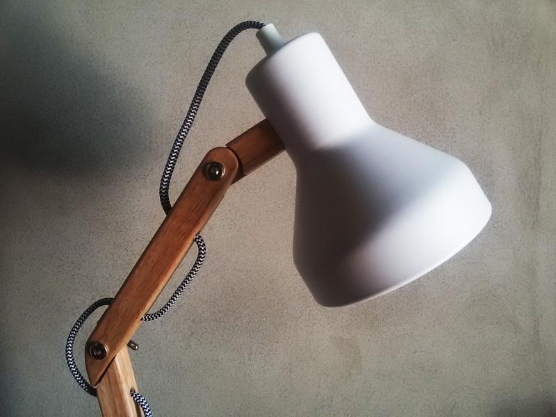 La nuova lampada Tomons DL1004 di Inateck
