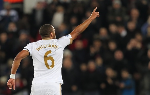 Everton keen to sign Ashley Williams