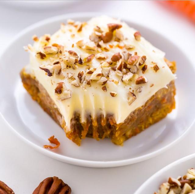 Carrot Cake Blondies #dessert #bars