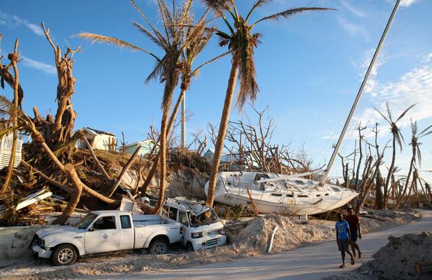 """""""Дориан"""" помете Бахамите, 43 са жертвите (ВИДЕО)"""