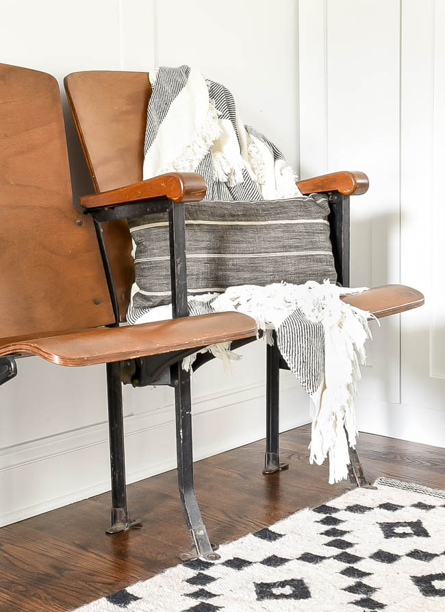 vintage theatre seats with black and white decor
