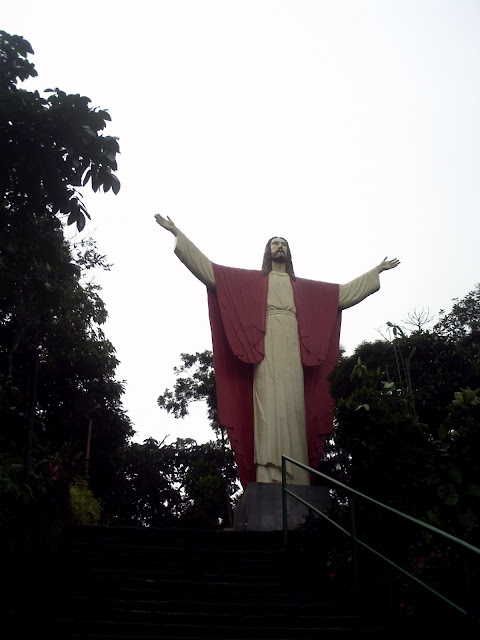 Image of Jesus Christ in Kamay ni Hesus Shrine