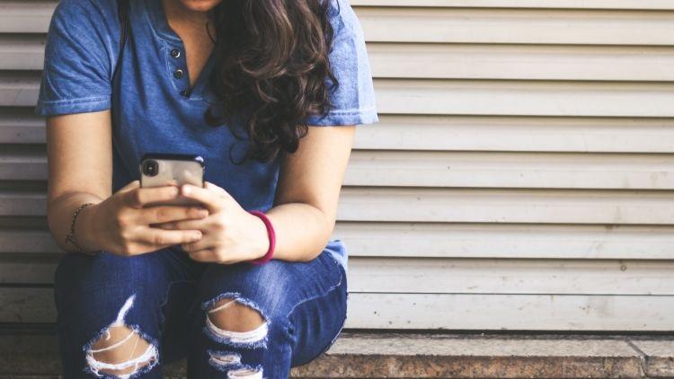 6 Tulisan Kamu di Media Social ini Bisa Membuat Orang Bunuh Diri