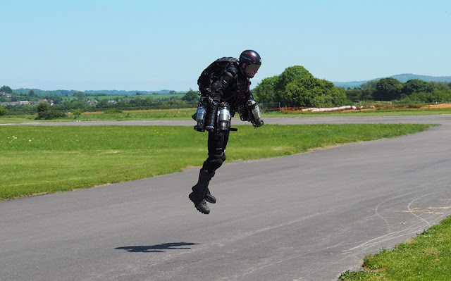 "British man constructs ""Iron Man"" jet suit, entertainment news"
