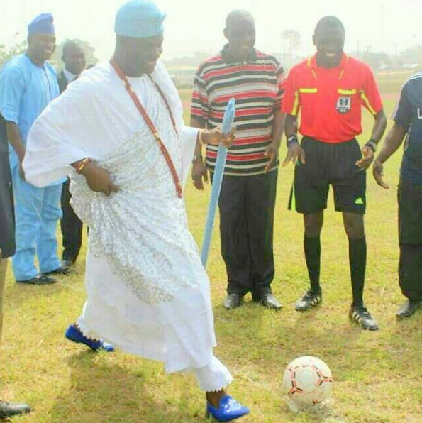 ooni of ife playing football