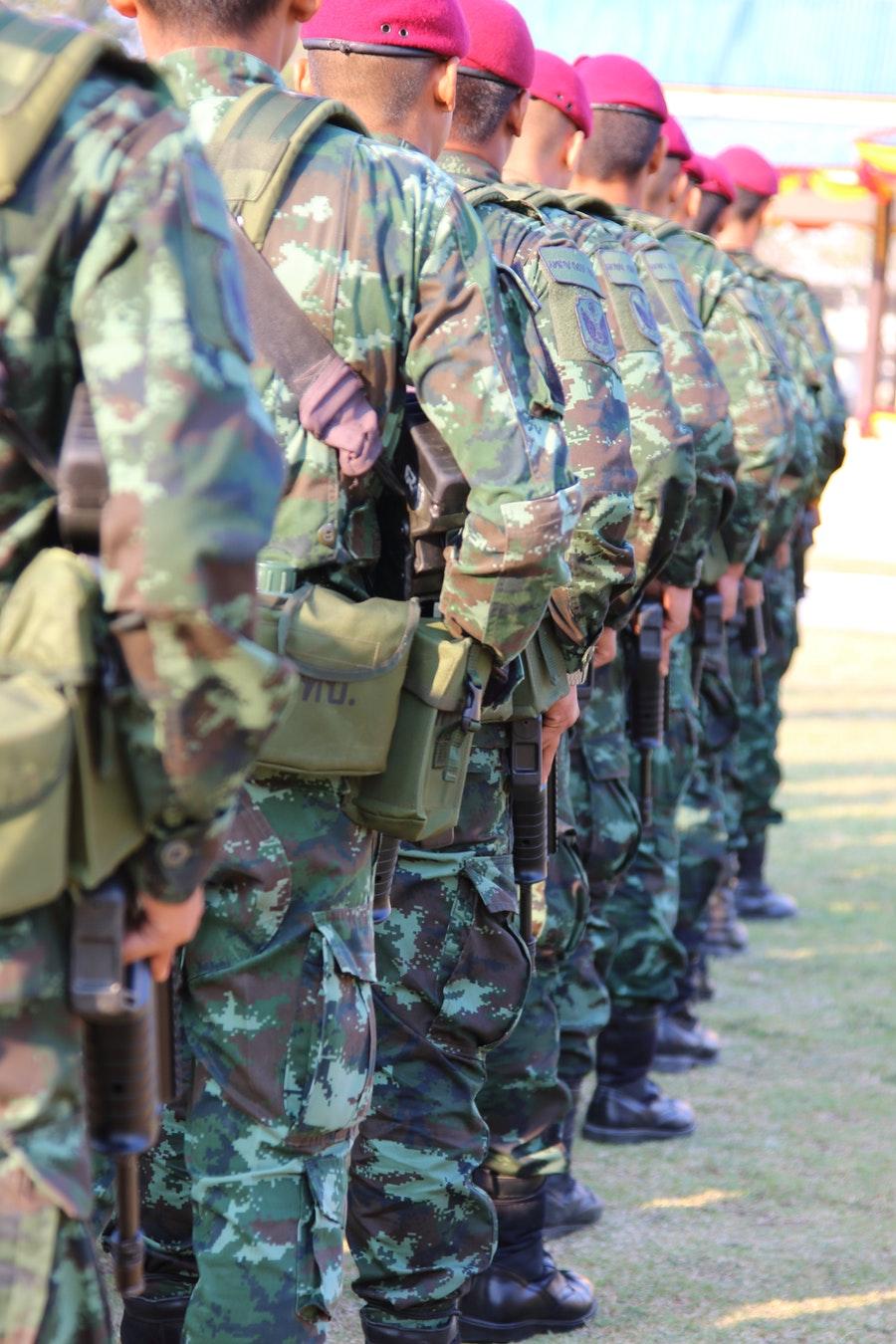 Stand Shoulder To Shoulder Nghia La Gi