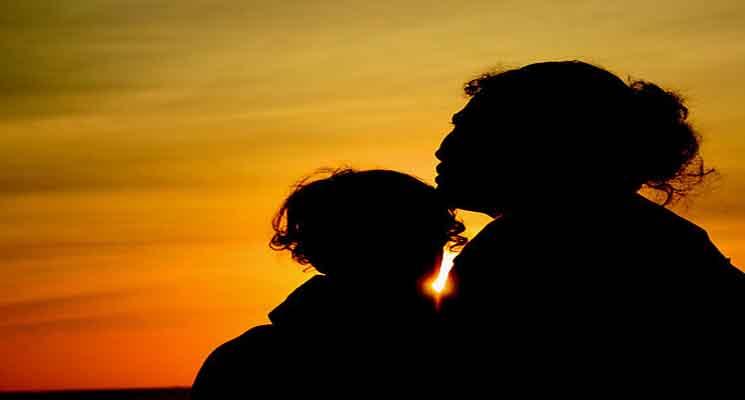 Puisi Sentuhan Kasih Sayang Ibu