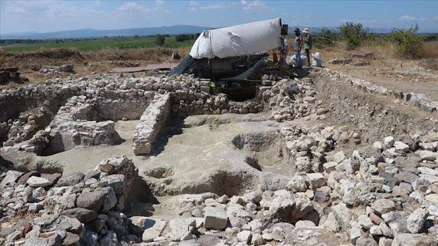 Ο ίδιος επισήμανε ότι η ανακάλυψη του ανάγλυφου κατά τις ανασκαφικές εργασίες της τοιχοποιίας εξέπληξε την ομάδα και είναι μία από τις σημαντικότερες ανακαλύψεις της φετινής περιόδου.