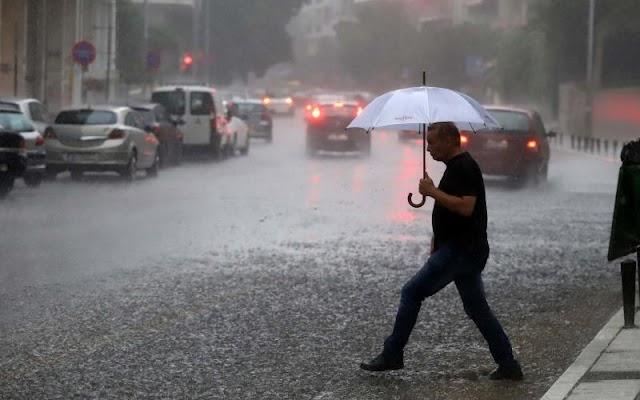 Άστατος με βροχές και καταιγίδες και σήμερα Κυριακή ο καιρός στη Θεσσαλονίκη