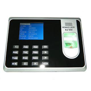Lựa chọn nơi cung cấp máy chấm công giá rẻ tốt nhất TPHCM