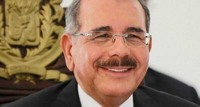 Danilo Medina entrega RD$174.5 millones a 30 organizaciones económicas