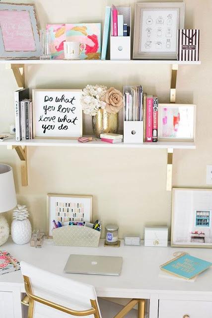 Se o seu sonho é deixar o seu quarto tumblr, lindo, fofo e muito organizado. Você não pode perder essas dicas maravilhosas para deixar o seu quarto do jeito que você sonha e com ideias baratas e simples para você mesmo fazer. Se inspire nessas 10 ideais e transforme o seu quarto agora mesmo.