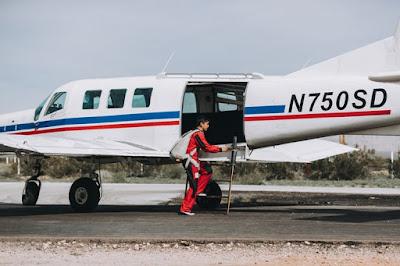 7 Alasan Ilmiah Mengapa Pesawat Komersil Berwarna Putih