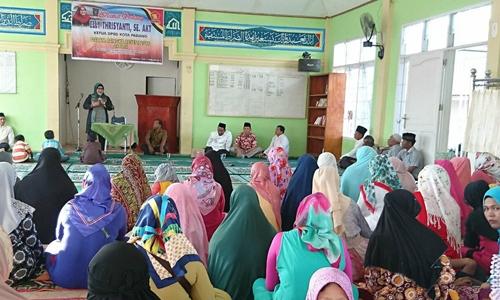 Reses di Masjid al Quwait, Ketua DPRD Padang Puji Bu Elok