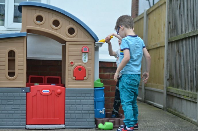 eco playhouse, go green, little tikes