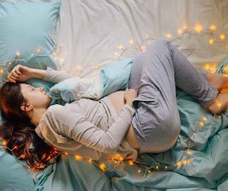 Inilah Beberapa Tips Posisi Tidur yang Baik untuk Ibu Hamil