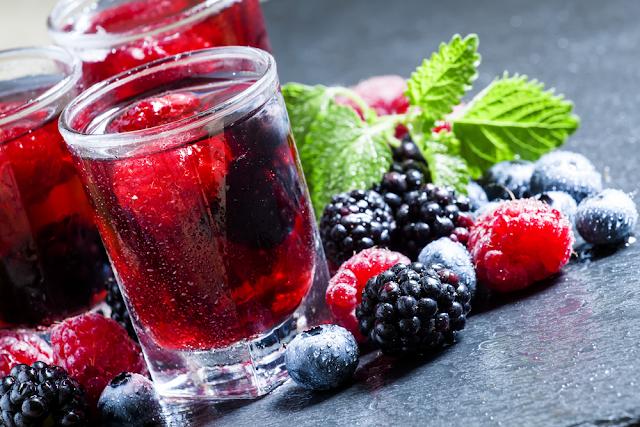 عصير التوت الطبيعي وفوائده