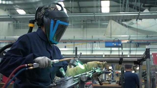 Melihat Secara Detail Pembuatan Sepeda Brompton di Pabriknya, Begini Prosesnya