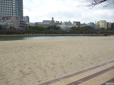 淀川の砂浜