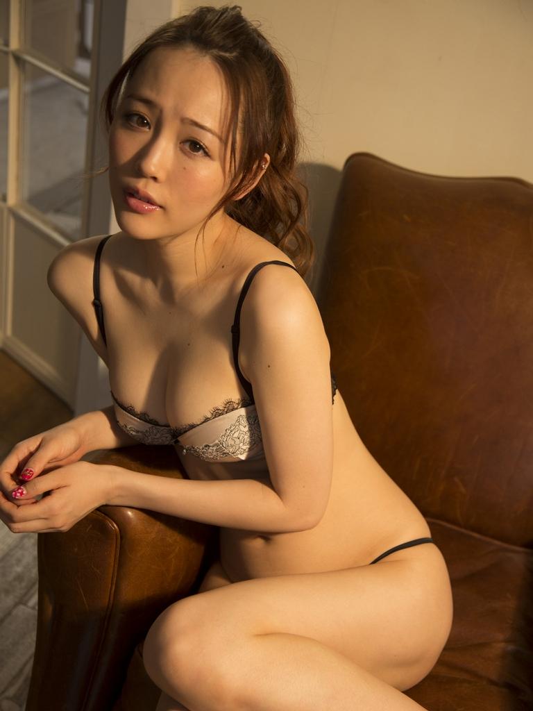 Iihabkri StrictlyGirl 柴小聖 - First Shock! 2012.12.27 [80P+10off+2Mov] 07250