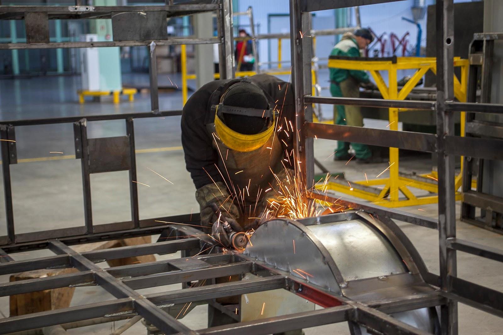 У Черкасах триває виготовлення санітарок для ЗСУ