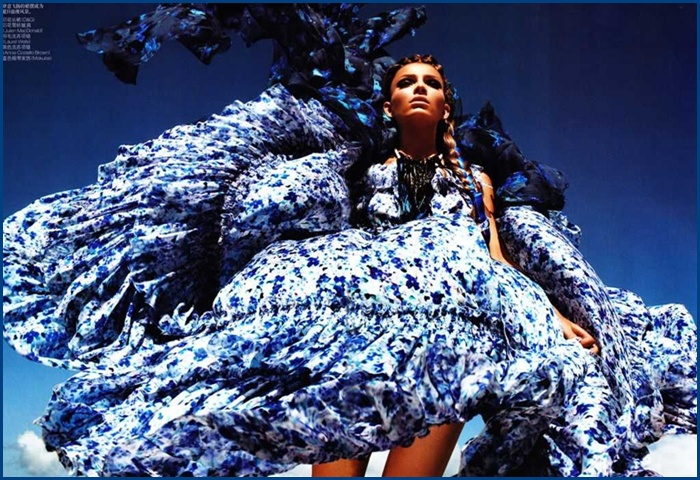 Vogue China June 2011 fashion editorial models Carola Remer and Ming Xi