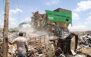 सपने में इमारत का गिरना ▷ Fall of building