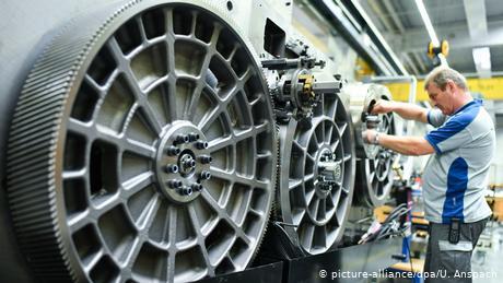 Το Βερολίνο εξετάζει κρατικοποιήσεις μεγάλων επιχειρήσεων