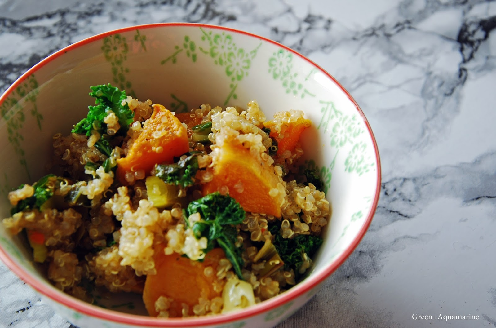 Kale, squash and quinoa savoury breakfast bowl. Via @eleanormayc
