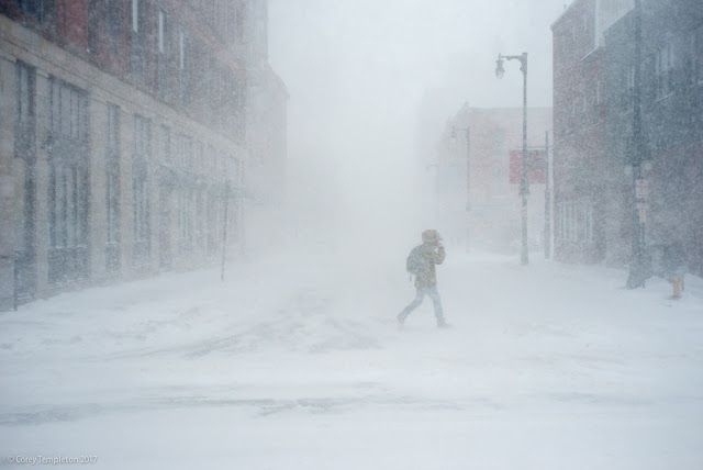 Portland, Maine USA March 2017 photo by Corey Templeton. It's starting to look like a blizzard out there. If you can't tell due to the snow, this is from Forest & Congress.