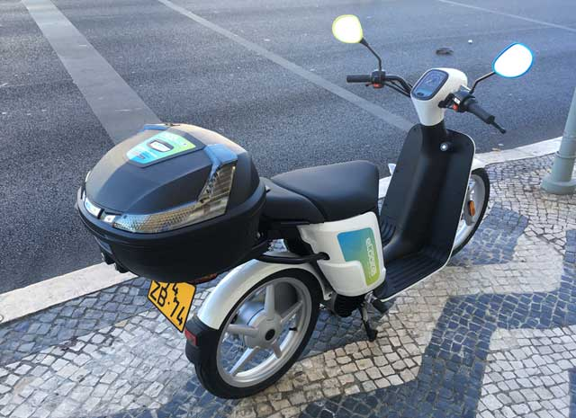 eCooltra Scooters in Lisbon