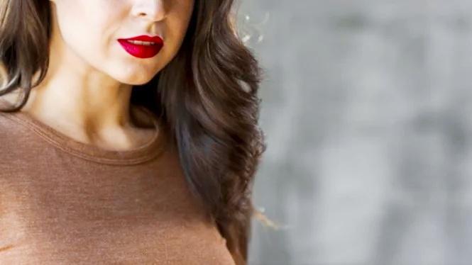 Tips Pakai Lipstik untuk 8 Bentuk Bibir yang Berbeda, Dijamin Cetar