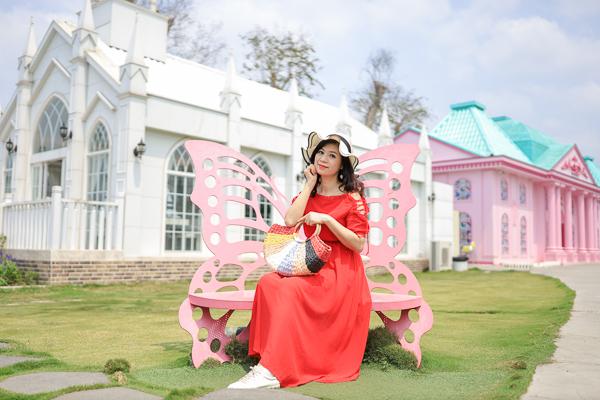 彰化員林琉璃仙境婚紗攝影基地,教堂、風車、彩繪牆,蜀葵花海