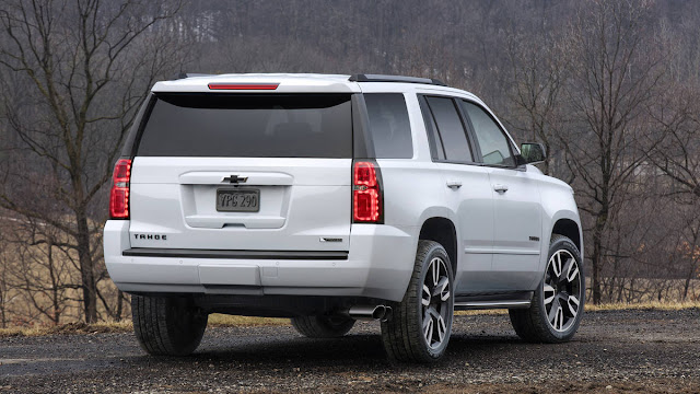 New Look Chevrolet TAHOE RST 2018 back view