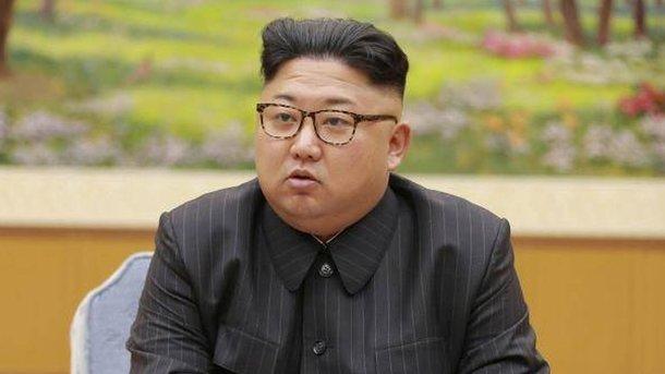 Ξέσπασε ο Κιμ Γιονγκ Ουν: Δεν είμαστε Λιβύη, ούτε Καντάφι να μας δολοφονήσετε