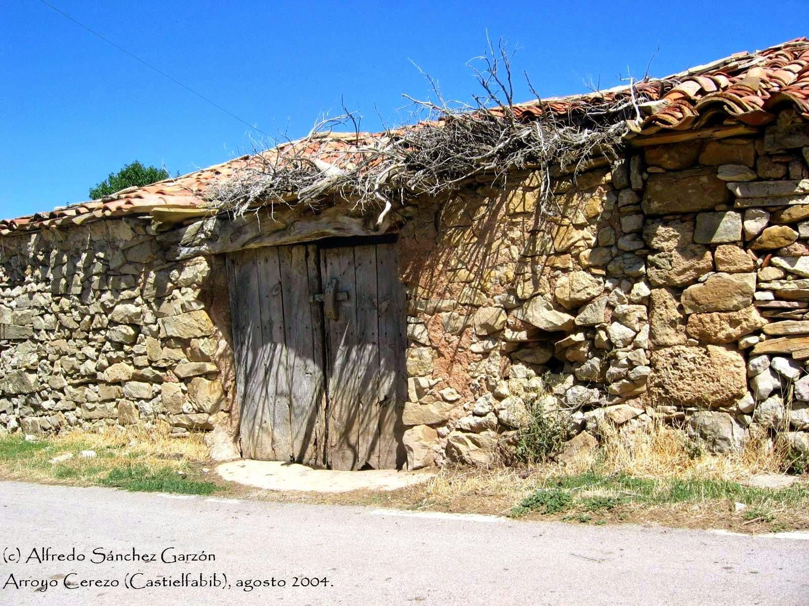 arroyo-cerezo-construccion-tradicional