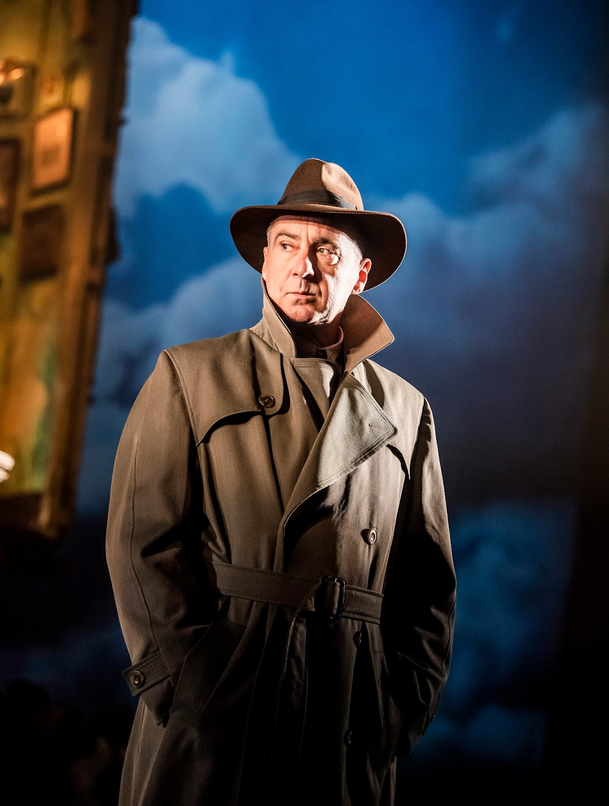10 Reasons to Watch An Inspector Calls with Teens
