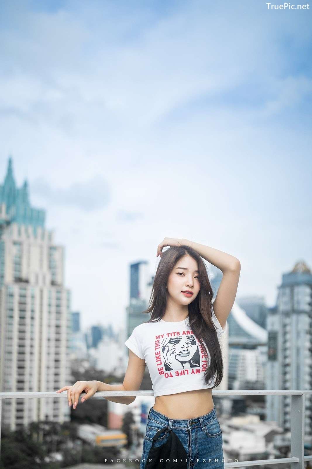 Image-Thailand-Pretty-Model-Anun-Sasinun-Outfit-City-Walking-Tour-TruePic.net- Picture-7